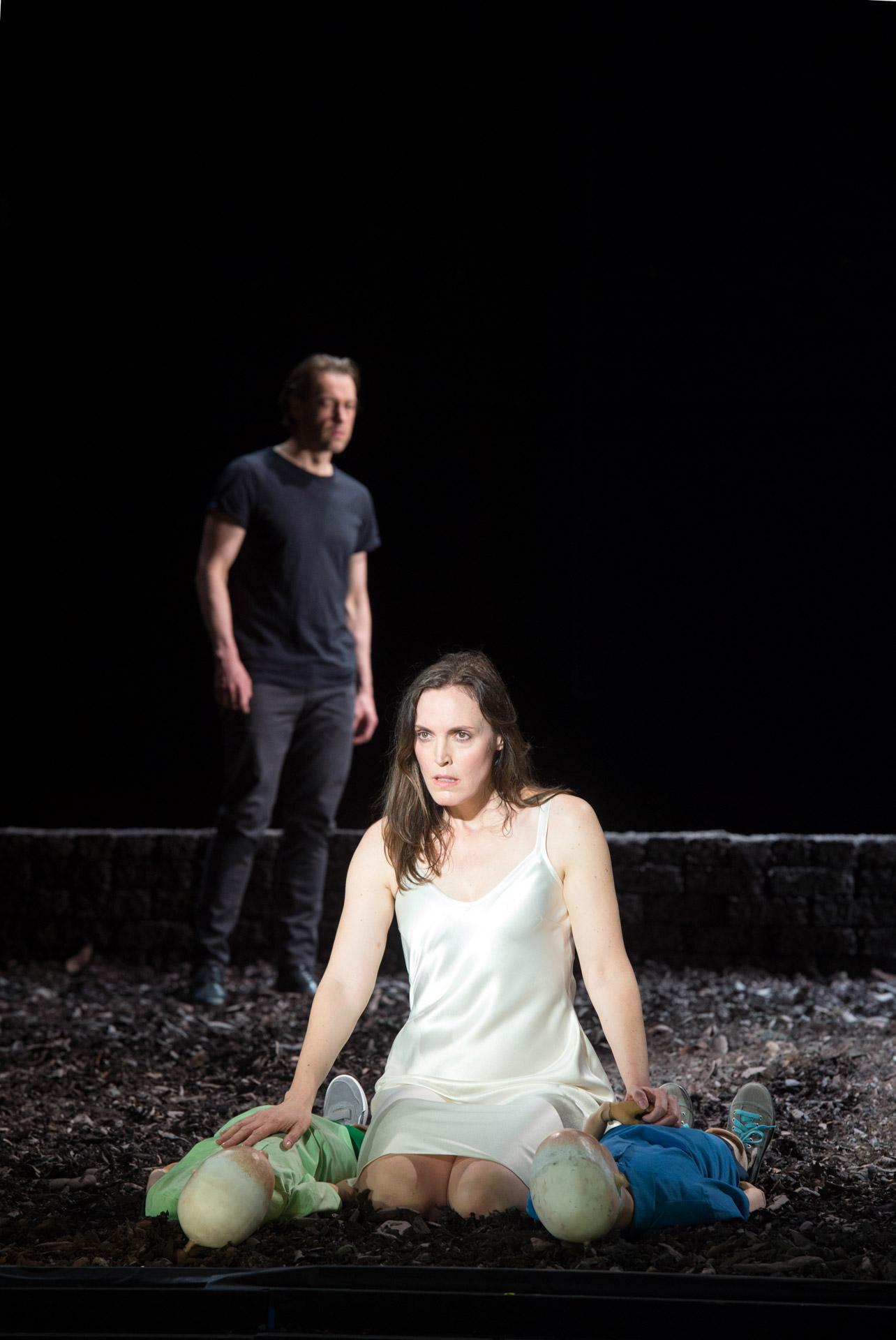 Nicole Chevalier - Reimann's Medea - Komische Oper Berlin (© Monika Rittershaus)